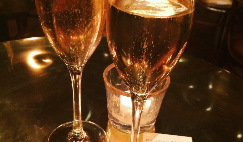 A new wine bar opens behind Claridge's